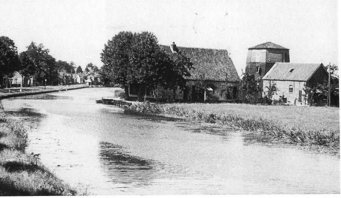 De molen van Van Eck in Harmelen helemaal links huize Mulder